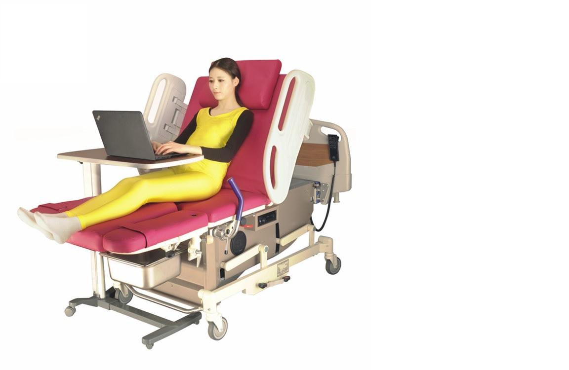 Giường khám – Giường sanh cao cấp đa chức năng rất đẹp và rất tiện ích được trang bị đầu đĩa CD để phụ nữ nằm thư giãn