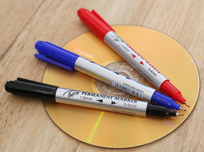Bút lông dầu (Mực Xanh; Đỏ; Đen)